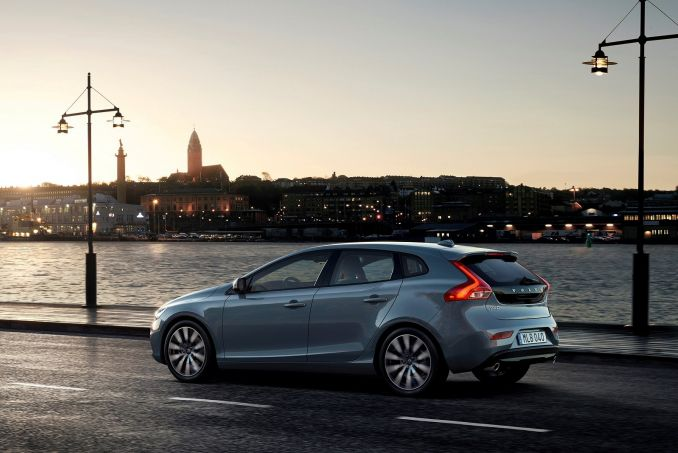 volvo v40 diesel hatchback d2 120 momentum on lease from. Black Bedroom Furniture Sets. Home Design Ideas