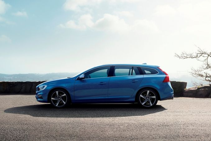 volvo v60 diesel sportswagon d4 190 cross country se nav 5dr leather on lease from. Black Bedroom Furniture Sets. Home Design Ideas