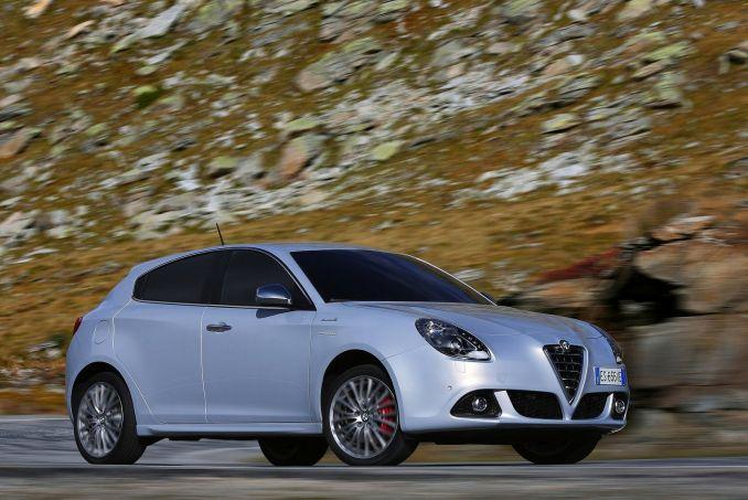 Alfa Romeo Giulietta luna pearl fhoto