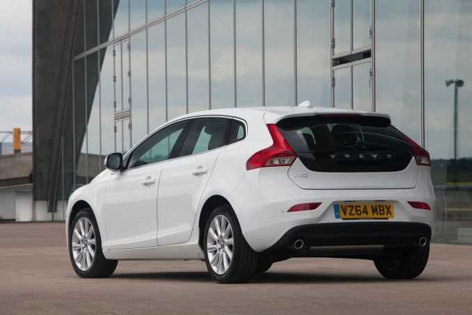 volvo v40 diesel hatchback d3 4 cyl 150 r design on lease from. Black Bedroom Furniture Sets. Home Design Ideas